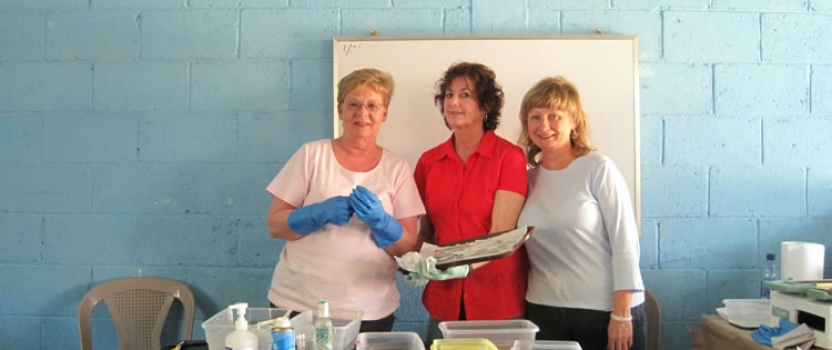 Transitions Helps Rotary Host Dental Clinic in El Hato